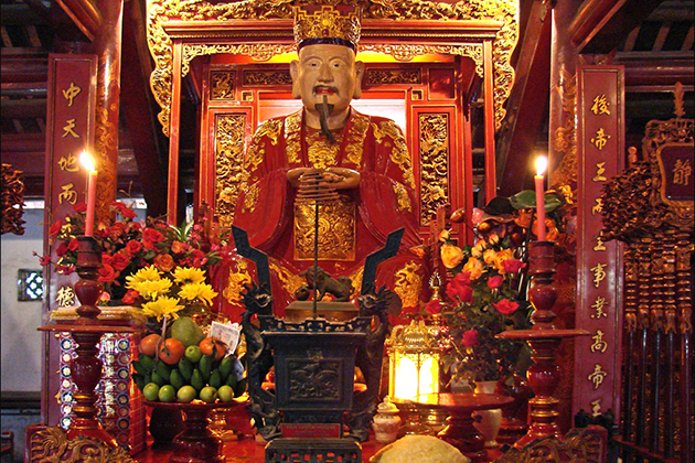 Confucius is worshipped in the temple