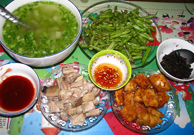 The daily meal of the Kinh People