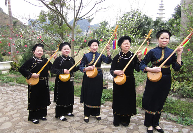 Then folk song and Tinh musical instrument of Tay people