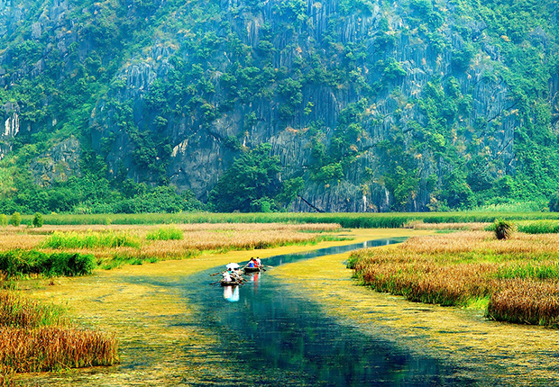 Van Long Lagoon in Ninh Binh of Vietnam was chosen to be the filming location
