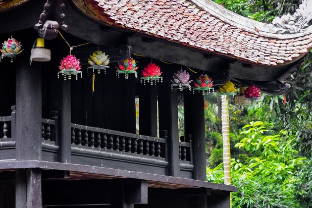 one pillar pagoda entrance fee and opening hours