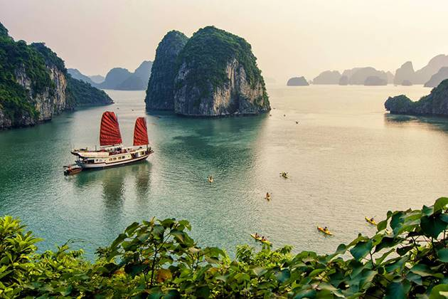 the gorgeous halong bay thailand vietnam cambodia 3 week itinerary