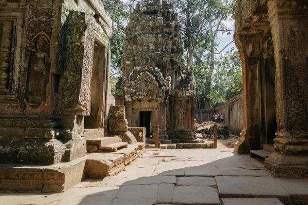 the historical relic of angkor wat in siem reap