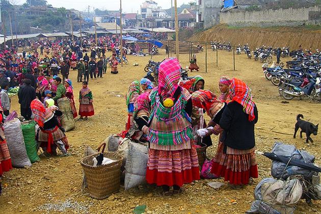 Bac Ha Market - Sapa