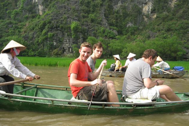 Boat trip along the scenic area of Tam Coc