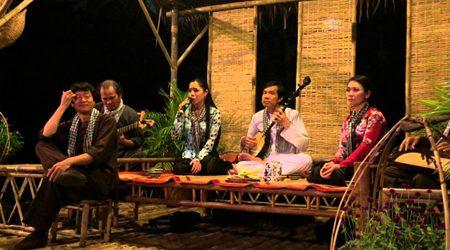 Don Ca Tai Tu singing in Mekong Delta, Vietnam