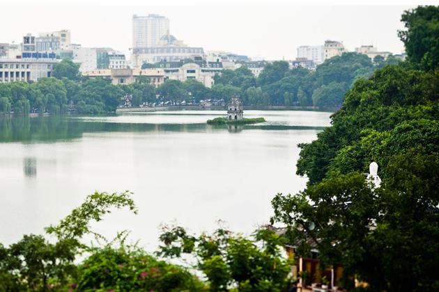 Hoan Kiem Lake – The Brilliant Pearl inside Hanoi