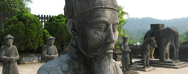 Madnarin images in Dong Khanh Tomb