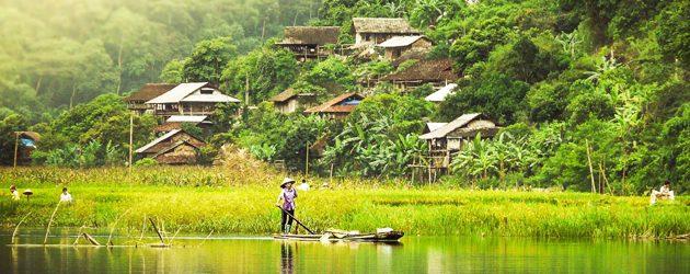 Pac Ngoi Village at dusk