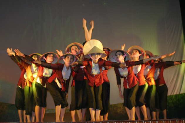 Vi and Giam Folk Songs - Traditional Culture of Vietnam