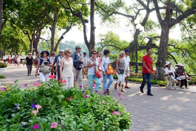 Walking Street near Hoan Kiem Lake
