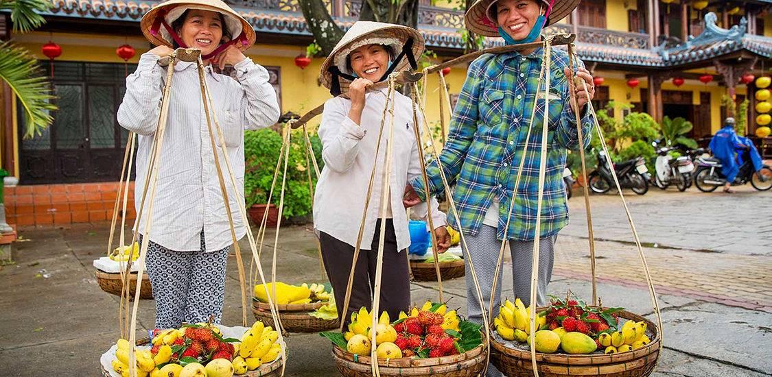 friendly Vietnamese people Vietnam tour packages
