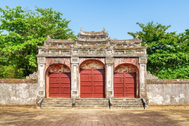 great red bridge in minh mang tomb