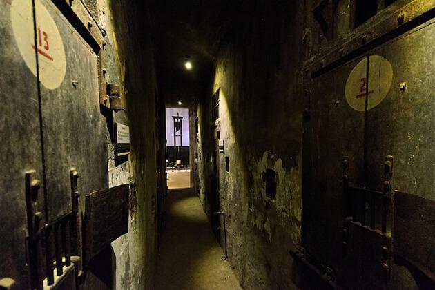 history of hoa lo prison