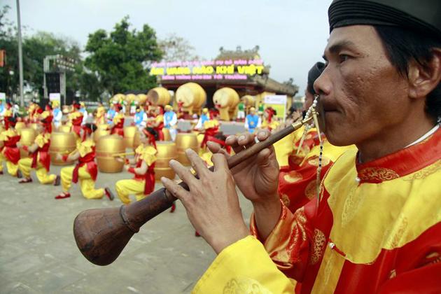 vietnamese court music nha nhac instrument