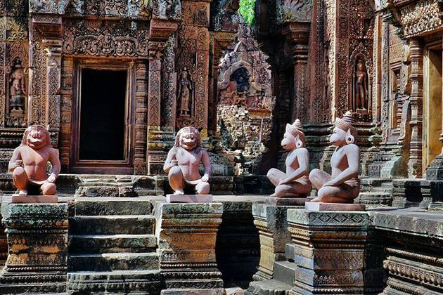 Banteay Srei Temple cambodia vietnam laos tour