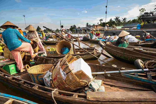 Daily life on Mekong River