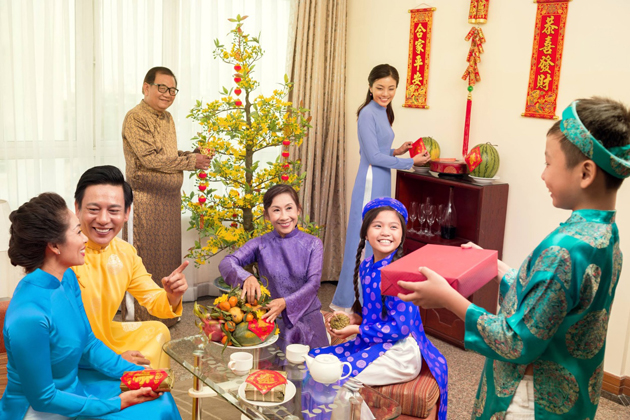 lunar new year in viet nam essay Tet nguyen dan (lunar new year)according to vietnamese zodiac, this year is the year of the cock of course, there are certain meanings and beliefs associated with.