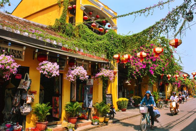 a store at hoi an ancient town