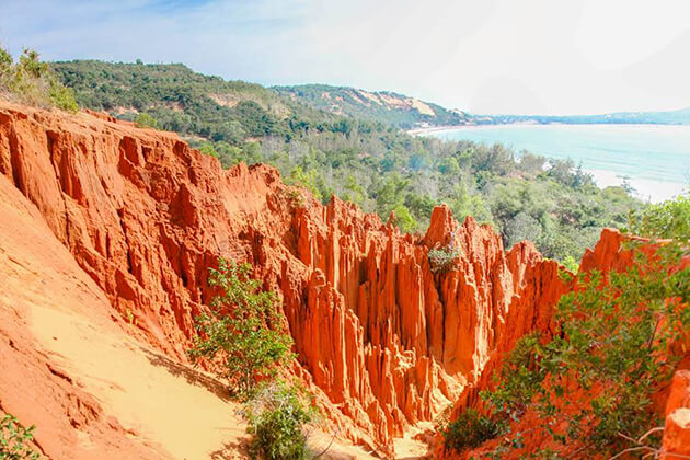 red canyon in mui ne