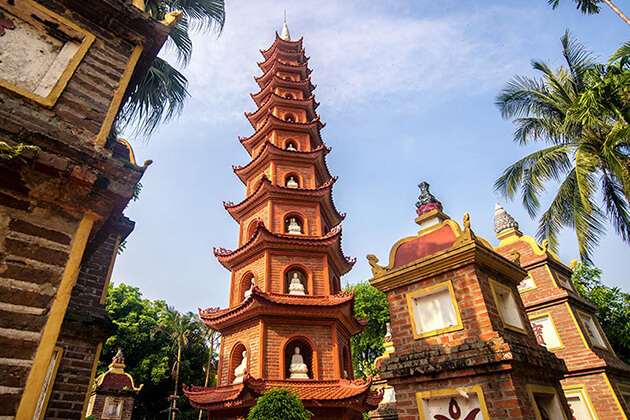 tran quoc pagoda hanoi attraction