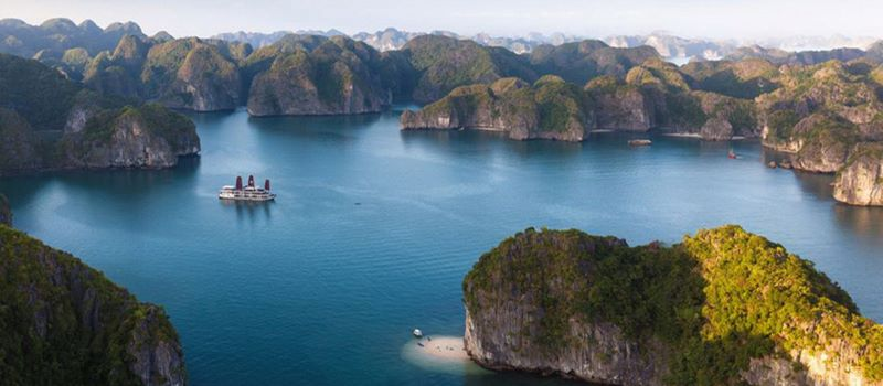 visit halong bay in vietnam and cambodia tour