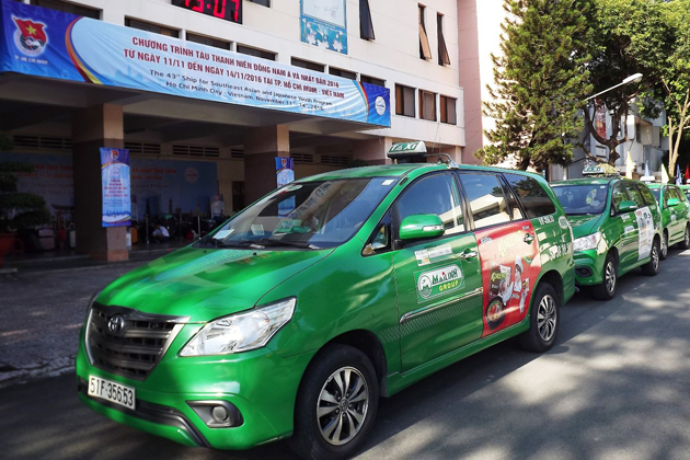 Mai Linh Taxi in green