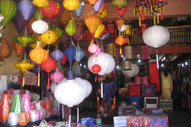 Ngoc Thu Lantern Workshop