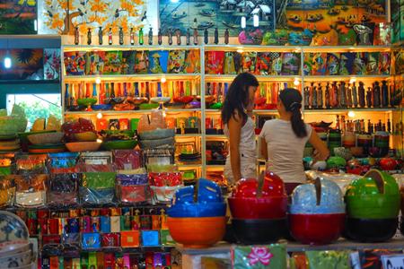 756d2b87a85 Top 5 Recommended Souvenir Shops in Hoi An - Vietnam Vacation