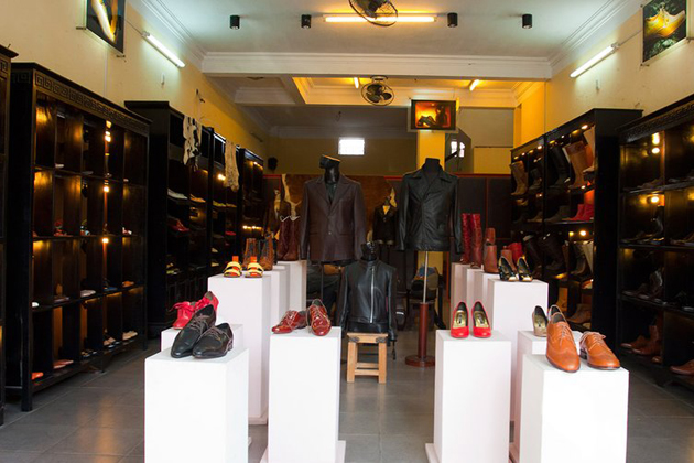 Yaly Couture Shoe Shop