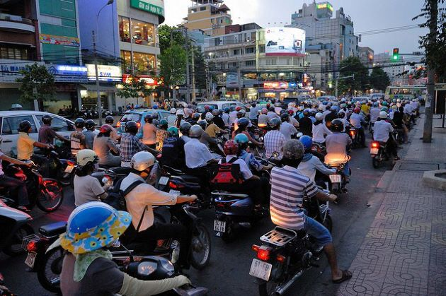 motorcycles are affecting air pollution in vietnam