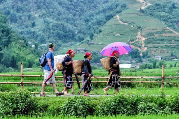 ta phin trekking tour with locals