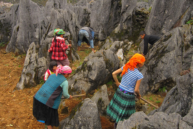 local people at dong van rock plateau in ha giang