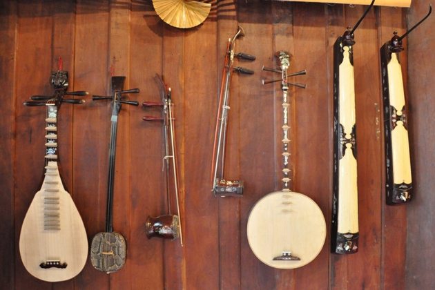 Vietnamese-musical instruments vietnam souvenirs