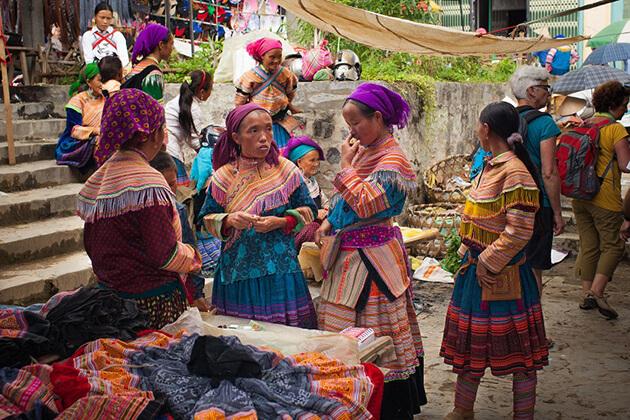 bac ha market in sapa lao cai