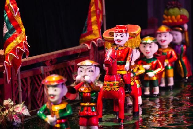 the water puppet performance in hanoi
