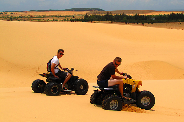 Go Quad Biking At White Sand Dunes