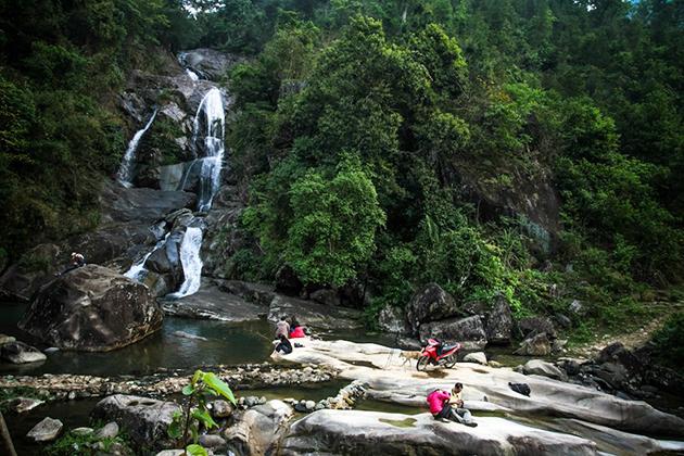 Khe Van Waterfall