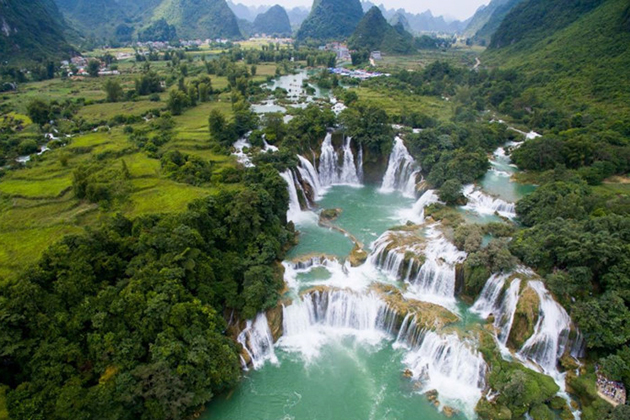 Panoramic view of Ban Gioc Waterfall