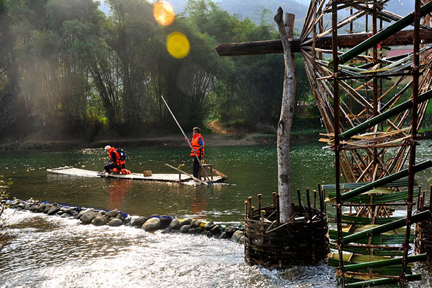 Rafting in Pu Luong