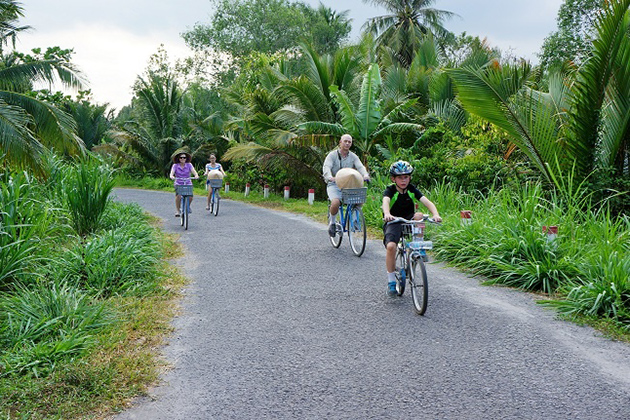 Vinh Long Cycling Tour on mekong delta tour 3 days