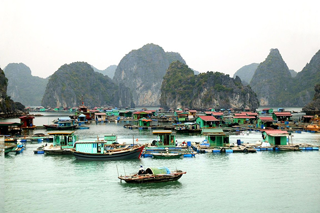 Visit Vung Vieng fishing village