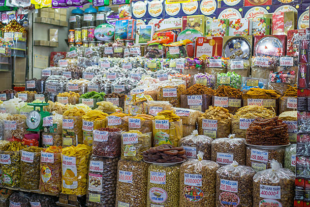ben thanh market vietnam honeymoon itinerary 2 weeks