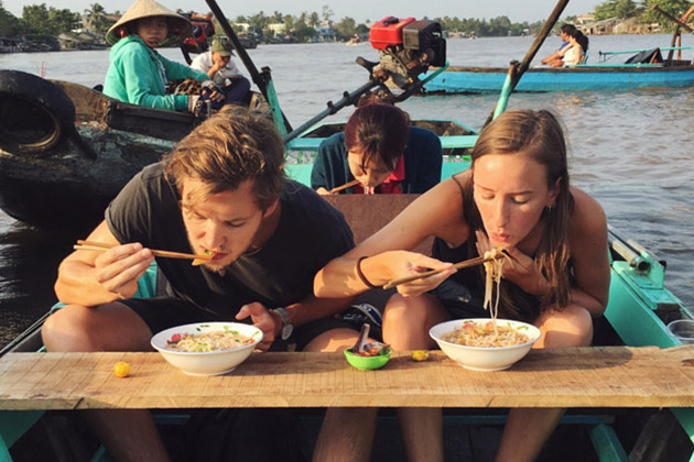 cai be floating market tour for couple