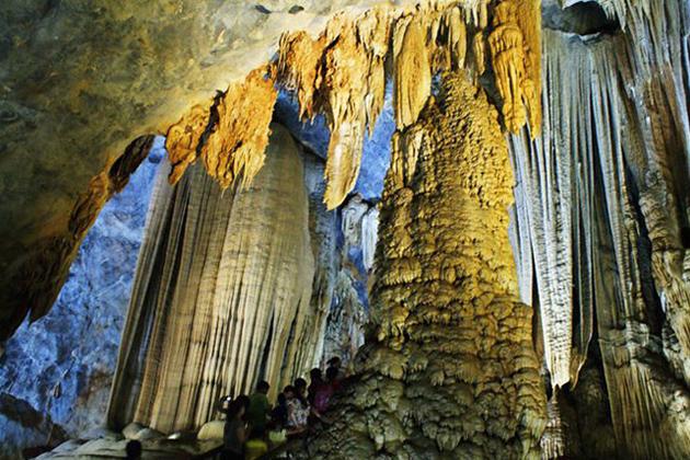 Caving in Quang Binh