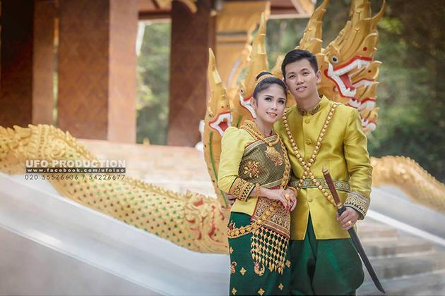 Fashionable wedding costumes