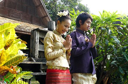 Myanmar Greetings & Etiquettes | Useful Phrases for Myanmar Travel