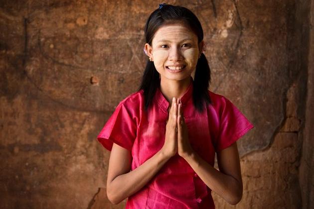 Greeting & Etiquette in Myanmar