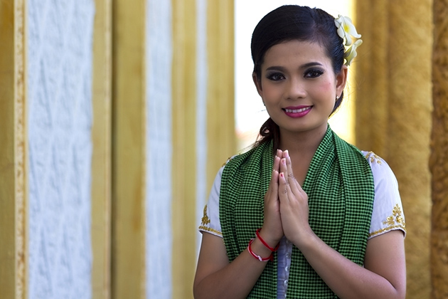 Greeting and Etiquette in Cambodia