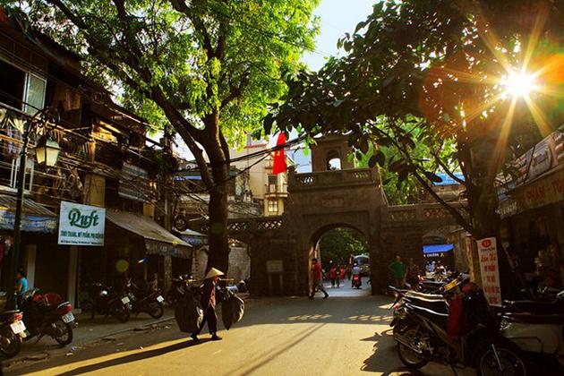 Hanoi street in Summer